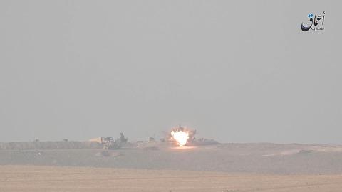 画像をクリックしてクルド人部隊の重機破壊映像を視聴