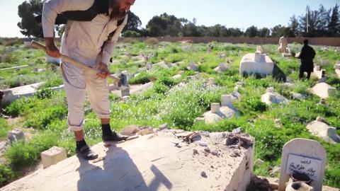 墓標の破壊