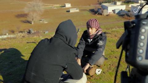ダービクの丘で殉教志願の少年にインタビュー
