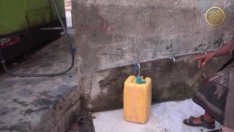 ポンプを設置して住民に給水