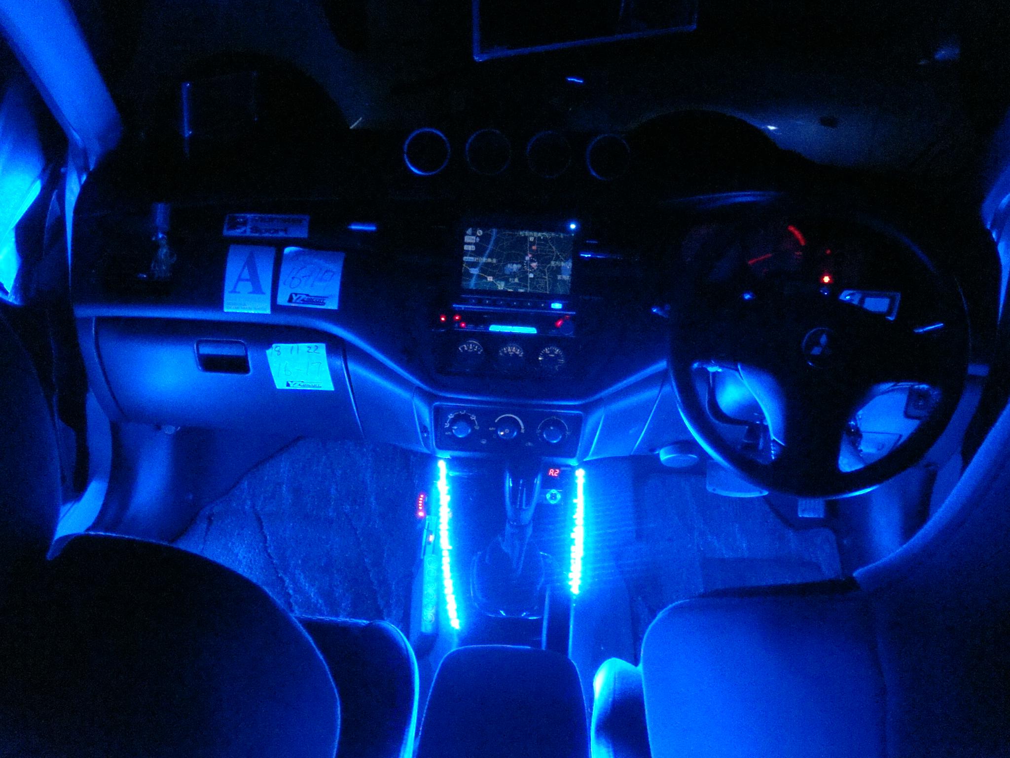 【画像】車の内装どっちがかっこいいかおしえてくれwwwwwwwwwwwwwwwwww : 気になるたけのこ速報VIP