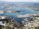 2560px-Aerial_view_of_Pearl_Harbor_on_1_June_1986_(6422248)