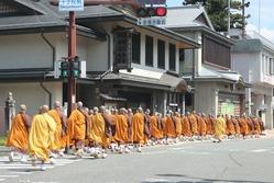 僧侶、僧侶、僧侶…