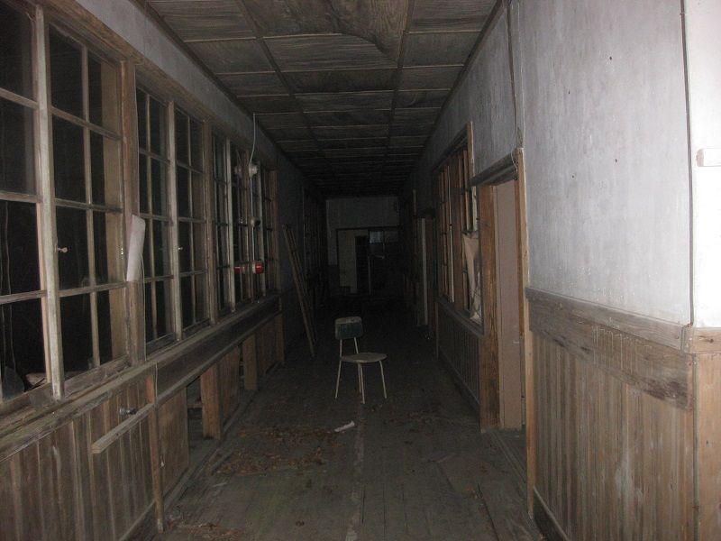 学校の廊下廃墟