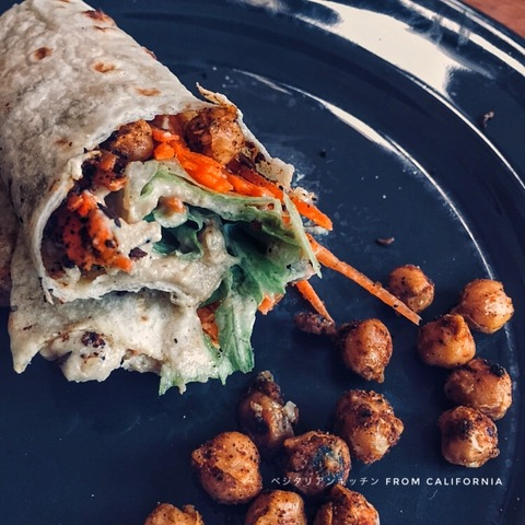 roasted checkpeas wrap with tahini sauce2