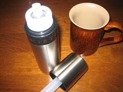 ル・クルーゼのオイルミスト&オークヴィレッジのマグカップ