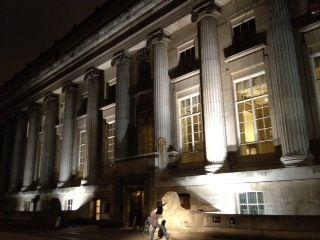 大英博物館正面ではない