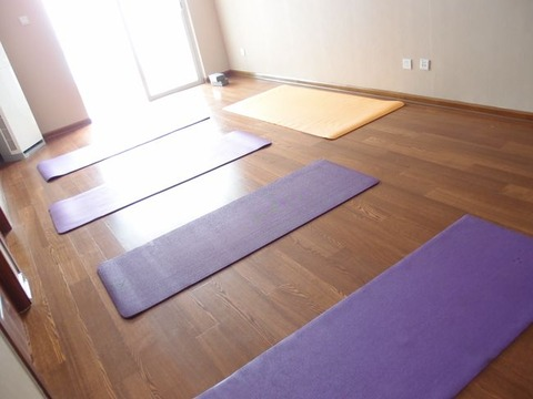 manami yoga Xian English studio