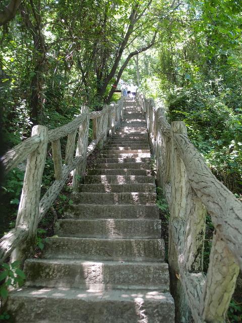 翠华山山頂への道 まなみヨガ西安