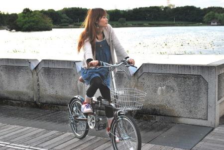 自転車の 自転車 カラータイヤ 20インチ : 黒 20インチ折りたたみ自転車 ...