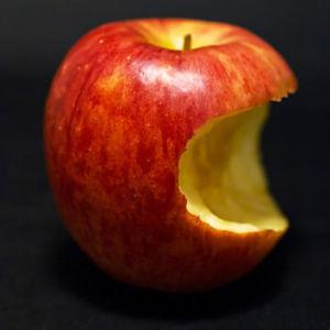 齧られたりんご