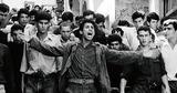 『アルジェの戦い』抗議デモ