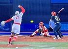 上野投手ラストバッターに投げる