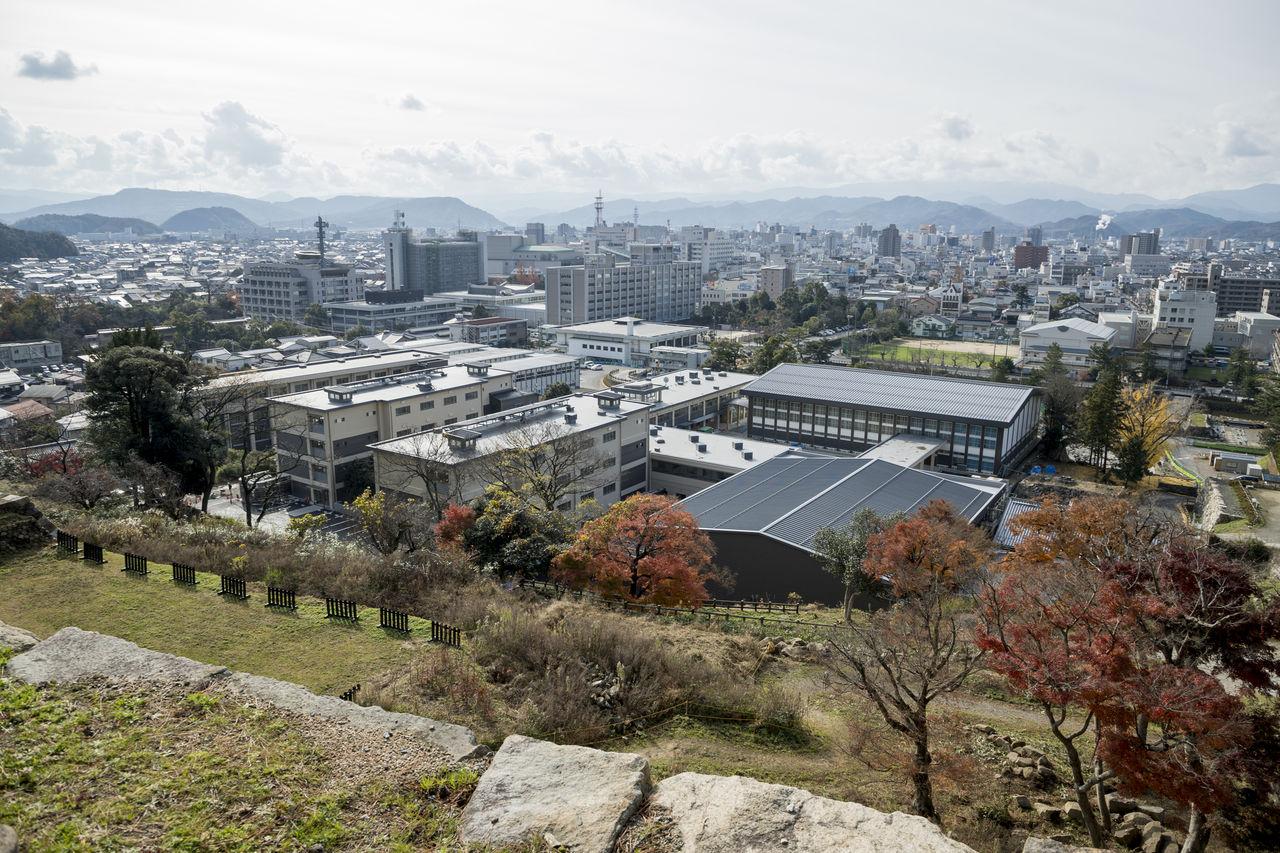 02_鳥取城跡より全景