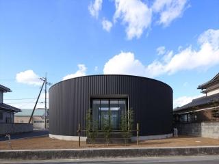 ガレージハウス 住人十色で、徳島県板野郡藍住町の建物が放送されます。 : 大阪 東京 神戸の建築