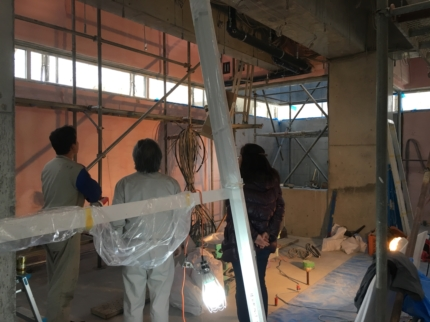 香川:高松のガレージハウス 現場で打合