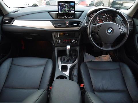 BMW X1 sDrive18i Hi-Line12