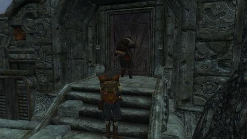 開かぬ入り口