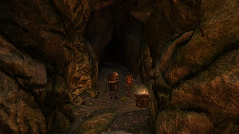 洞窟を抜ける