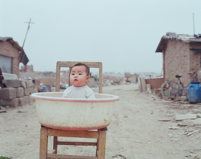 中国の女の子達、2ドアのロールスロイスを乗って集まる。日本の若者との差が凄い #画像