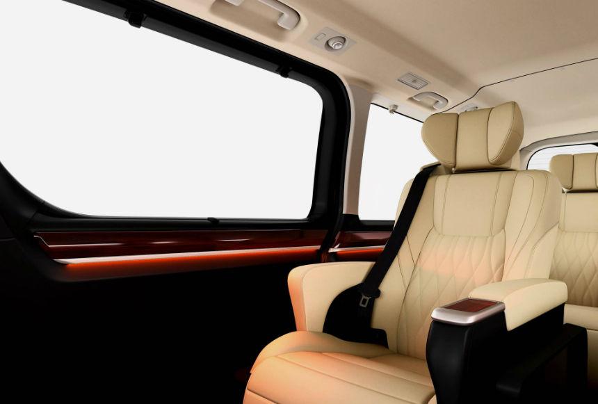 トヨタ、9人乗りハイエースを高級ミニバン化して発表