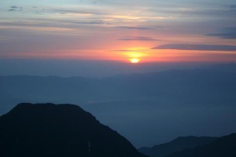 IMG燕岳