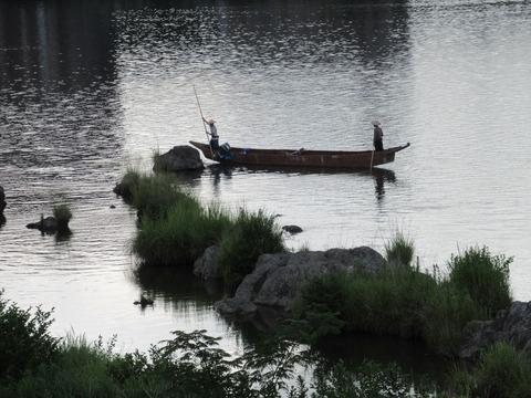 木曽川の船頭たち2
