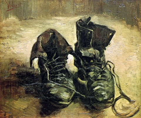 一足の古い靴