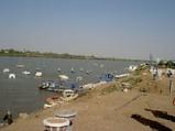 060416ナイル河岸の船