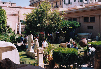 グレコ・ローマン博物館中庭