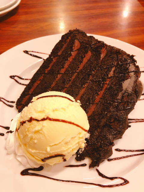 DSC_レッドチョコレートケーキリサイズ.JPG