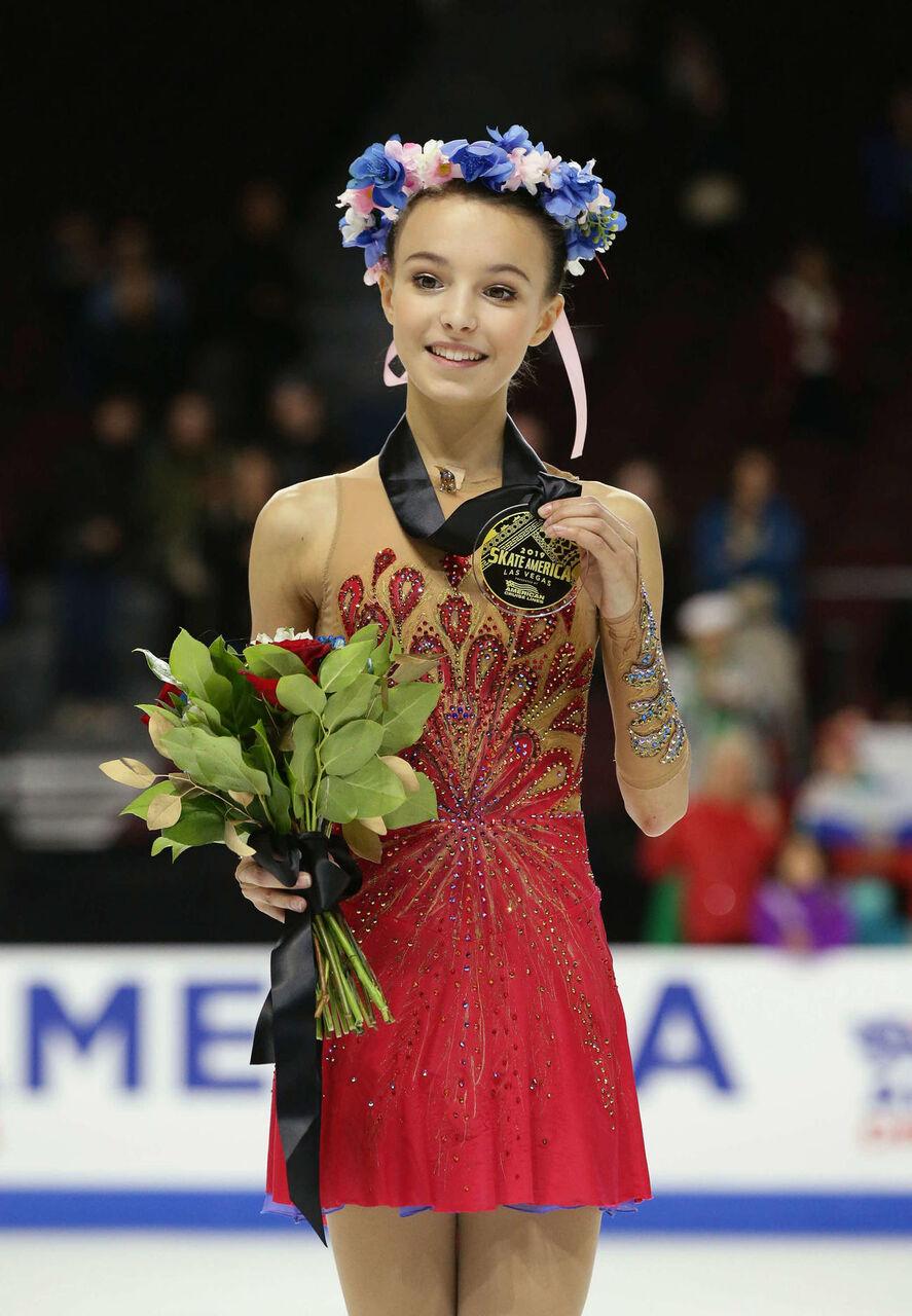 フィギュアスケート中国杯 アンナ・シェルバコワがV 宮原知子2位