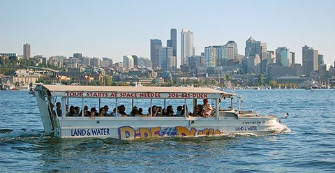 OnLakeUnion_Duck-Skyline-263464_x