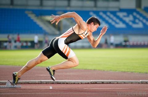 オリンピック 100mを10秒台で走る男