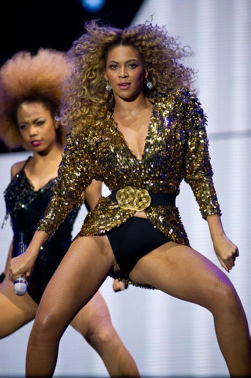 Beyonce - Glastonbury Festival 2011