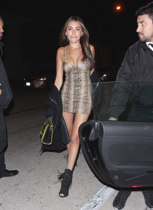 madison-beer-at-the-catch-in-la-11417-32