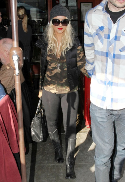 Christina Aguilera Camel-Toe Candids in New York