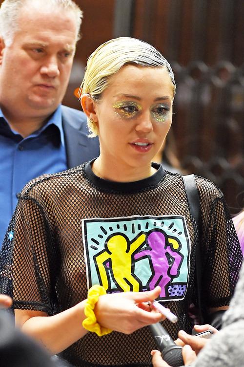 Miley Cyrus (22)