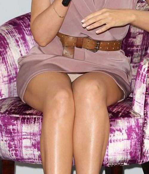 Kylie Minogue - upskirt (3z)