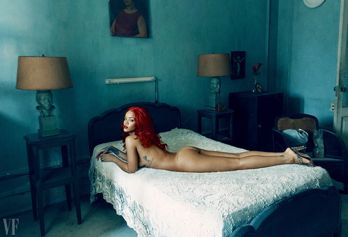 Rihanna Nude Ass in Vanity Fair November 2015
