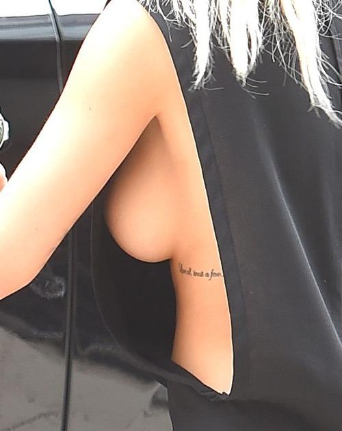 Rita Ora - Massive Side Boob (1z)
