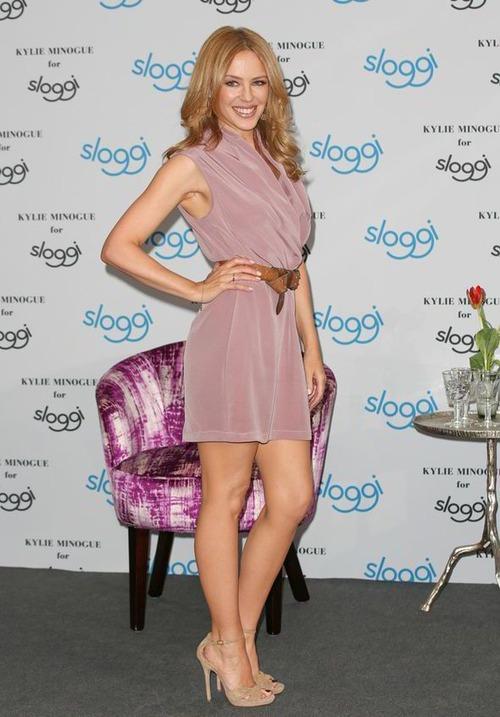 Kylie Minogue - upskirt (5)