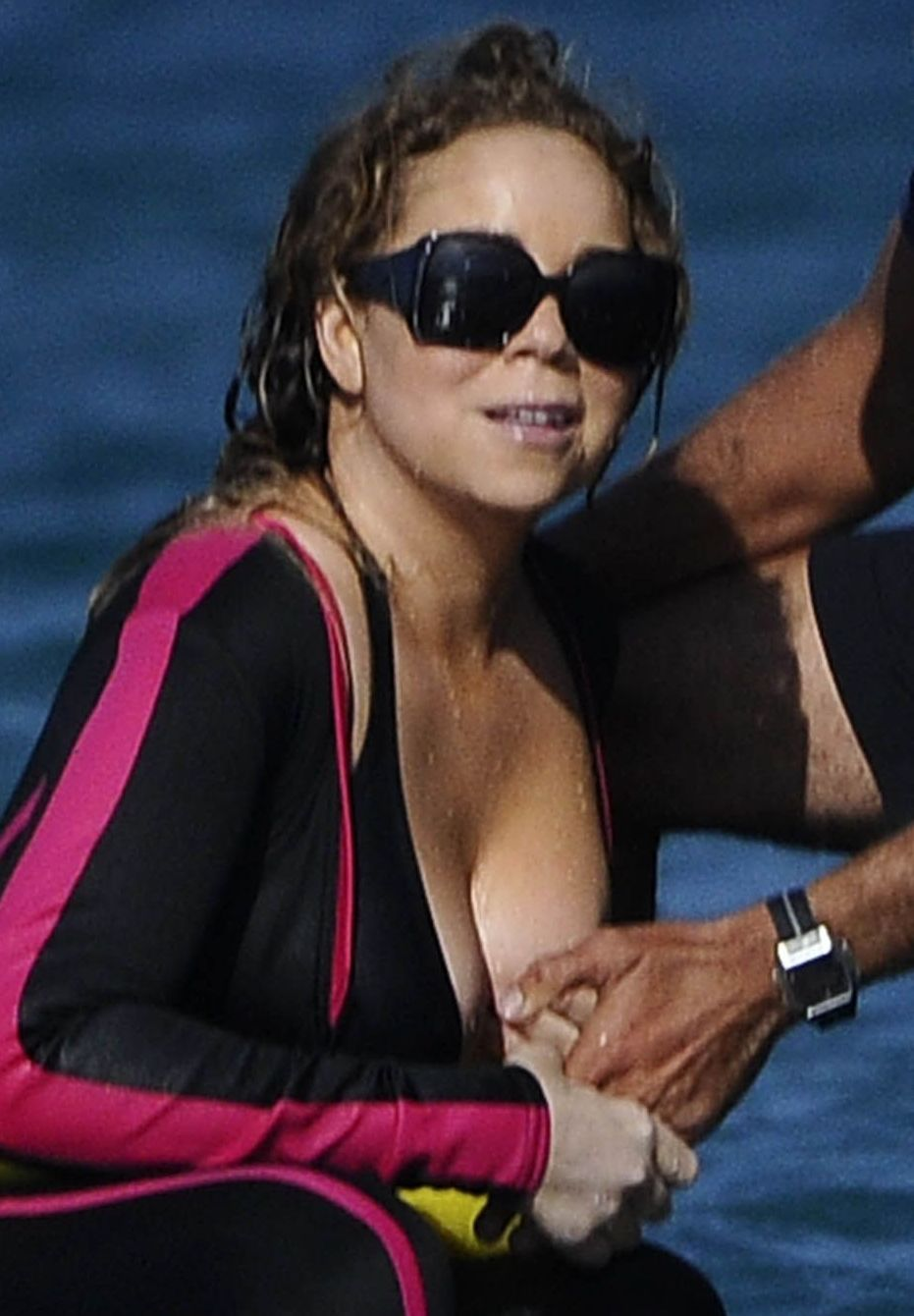 Mariah Carey Boob Slip 118