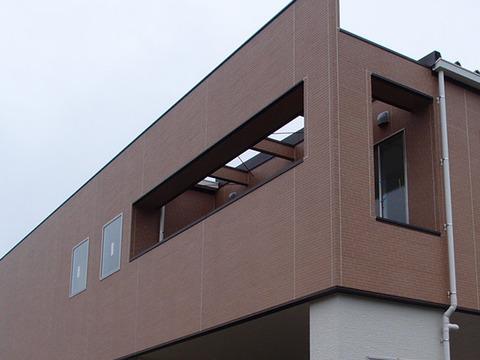 ベランダの開口スペースへの電照幕の施工