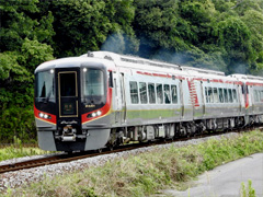 徳島県鳴門市 高徳線 JR四国 2600系 営業運転 上り 1番列車