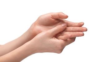 スピリチュアルな指先のしびれの意味とは?