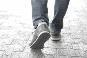 スピリチュアルな足首の痛みの意味とは?