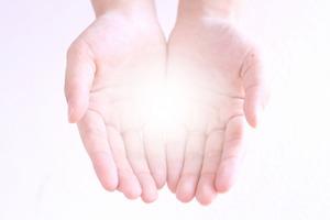 気功整体師は手で物を見ます!~血の色が人によって違う?~