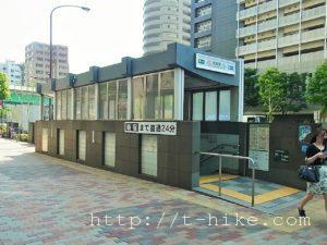 月島~八丁堀~東京駅を散歩 月島は古い昭和な建物と佃煮の香りそしてタワマンが混在する不思議な街