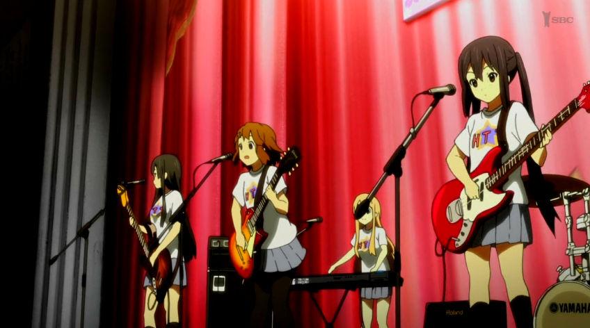 桜高祭でのけいおん!!の歌う唯